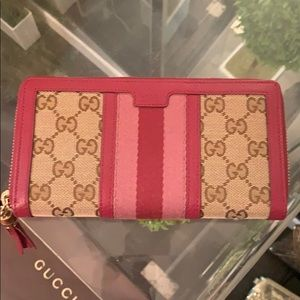 Brand new GUCCI wallet!